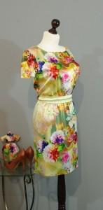 красивое шелковое платье с цветами платье-терапия