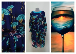 Платье темно-синих оттенков с голубыми гвоздиками