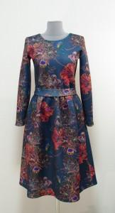 Теплое платье с орхидеями